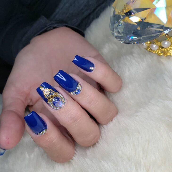 unhas decoradas azul 42