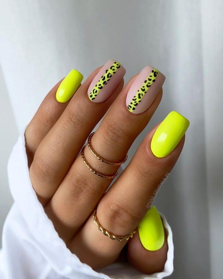 60 ideias para inovar na aparência das suas unhas com esmalte amarelo - 5