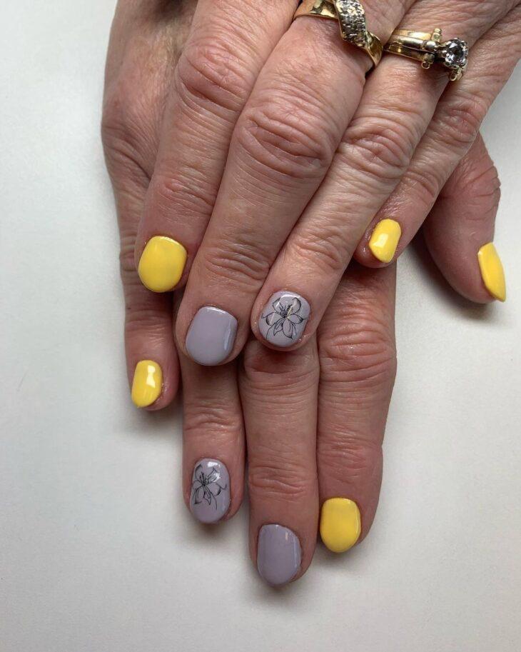 60 ideias para inovar na aparência das suas unhas com esmalte amarelo - 39