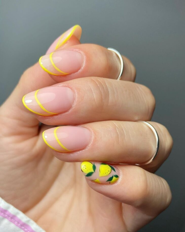 60 ideias para inovar na aparência das suas unhas com esmalte amarelo - 9
