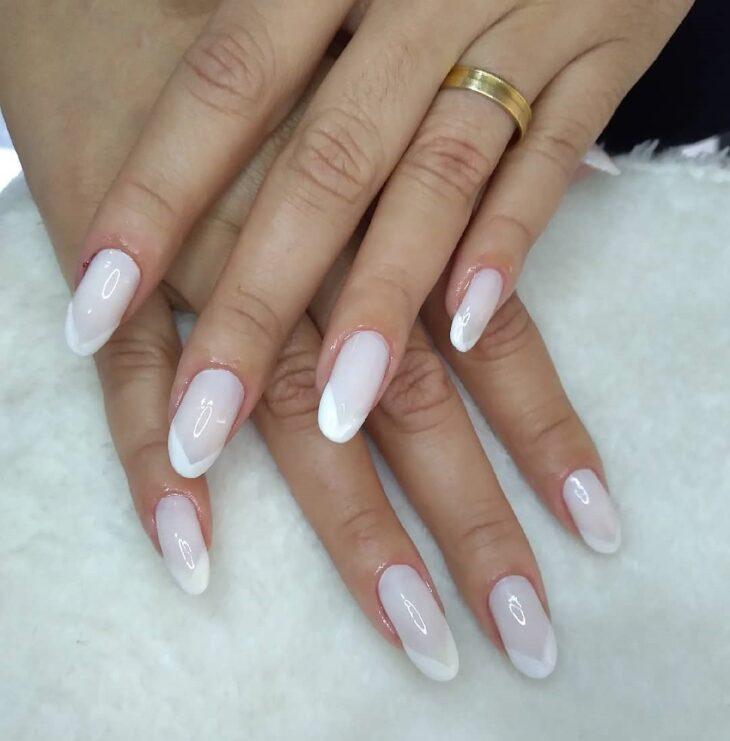 50 unhas com esmalte branco que provam a beleza desse tom clássico - 11