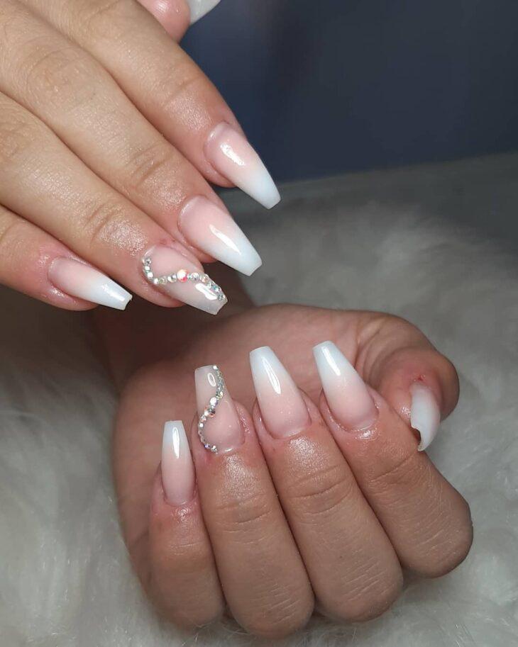 50 unhas com esmalte branco que provam a beleza desse tom clássico - 12