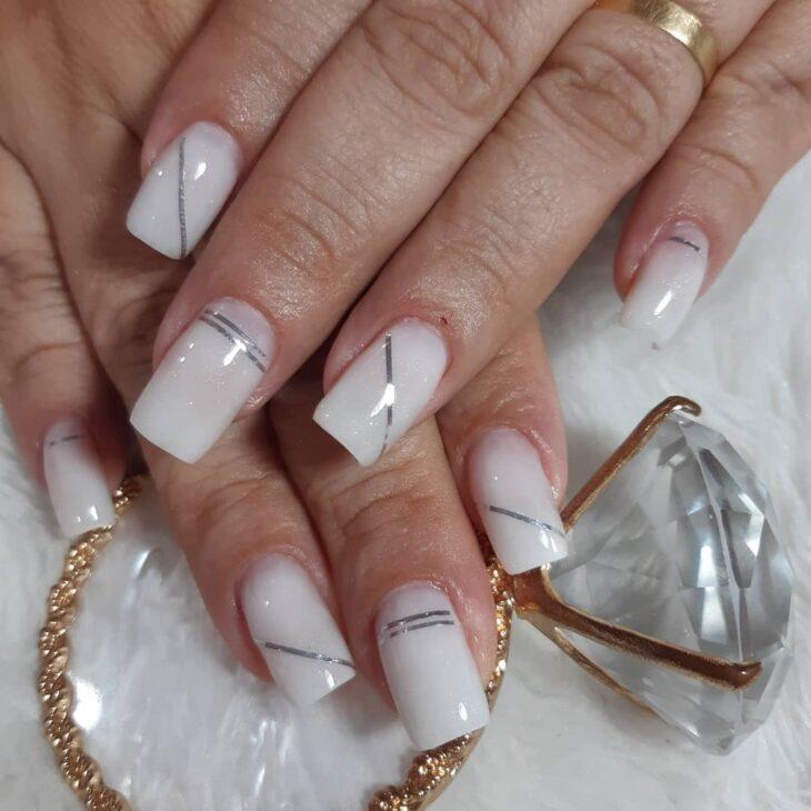 50 unhas com esmalte branco que provam a beleza desse tom clássico - 15