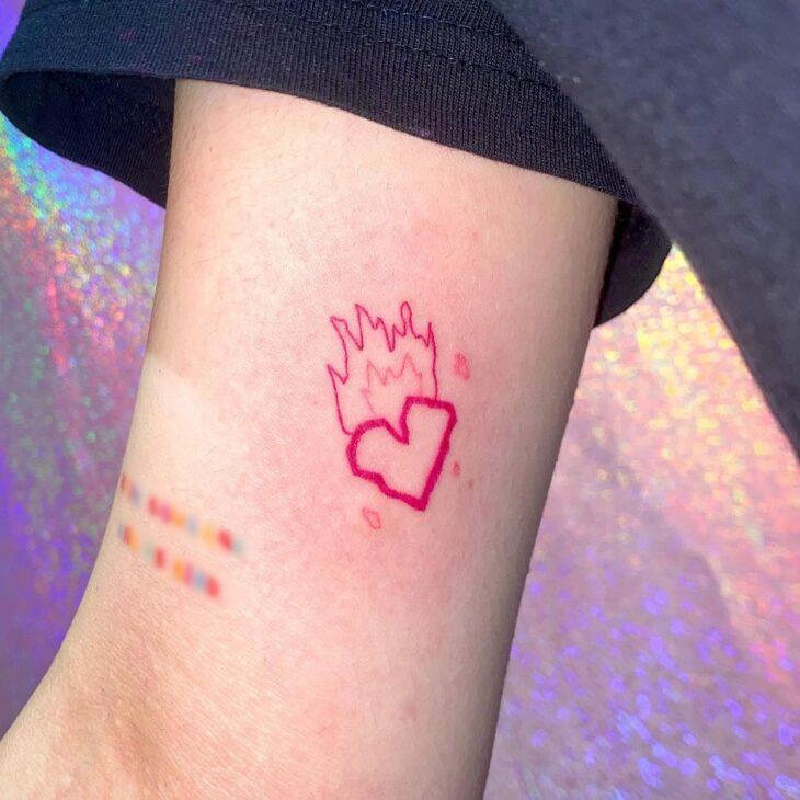 100 ideias encantadoras de tatuagem de coração para transbordar amor - 2