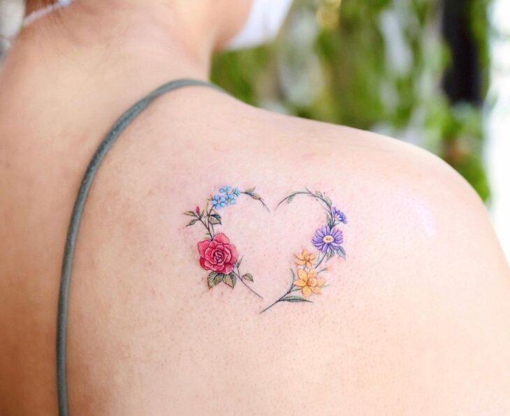 100 ideias encantadoras de tatuagem de coração para transbordar amor - 40