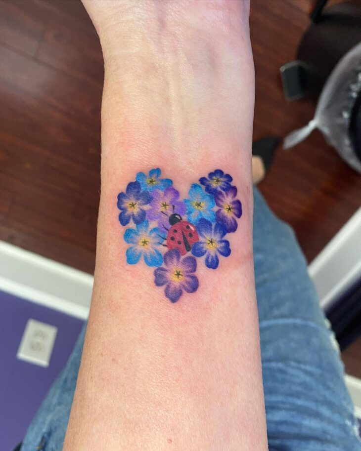 100 ideias encantadoras de tatuagem de coração para transbordar amor - 51