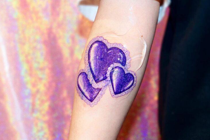 100 ideias encantadoras de tatuagem de coração para transbordar amor - 61