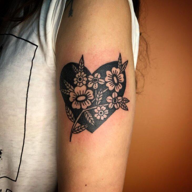 100 ideias encantadoras de tatuagem de coração para transbordar amor - 64