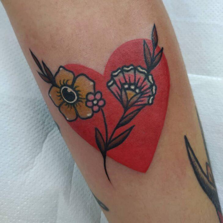 100 ideias encantadoras de tatuagem de coração para transbordar amor - 83