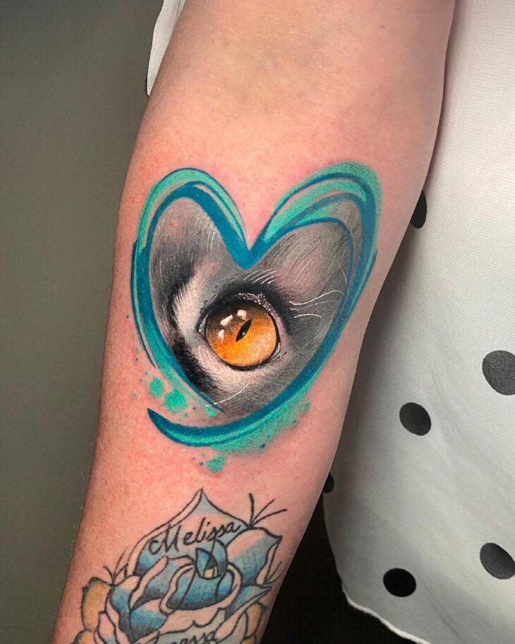 100 ideias encantadoras de tatuagem de coração para transbordar amor - 84