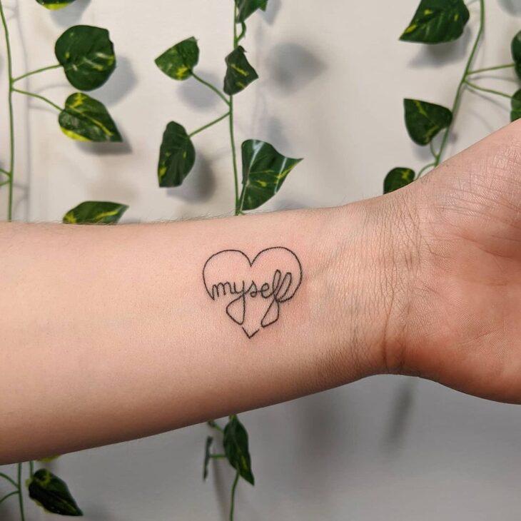 100 ideias encantadoras de tatuagem de coração para transbordar amor - 91
