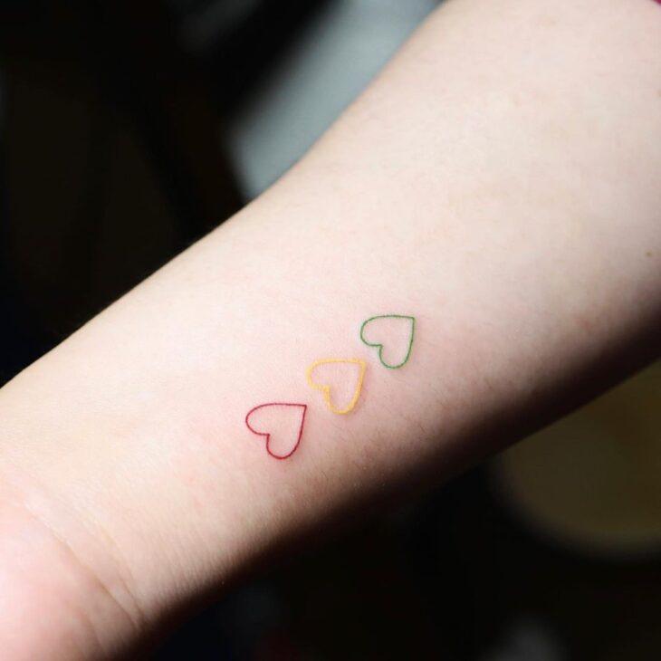 100 ideias encantadoras de tatuagem de coração para transbordar amor - 92