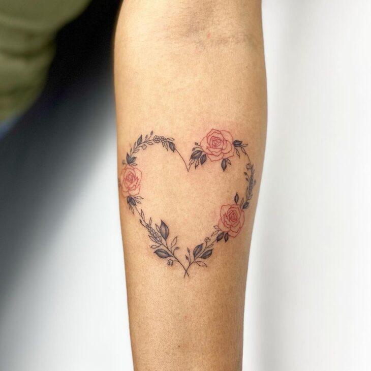 100 ideias encantadoras de tatuagem de coração para transbordar amor - 94