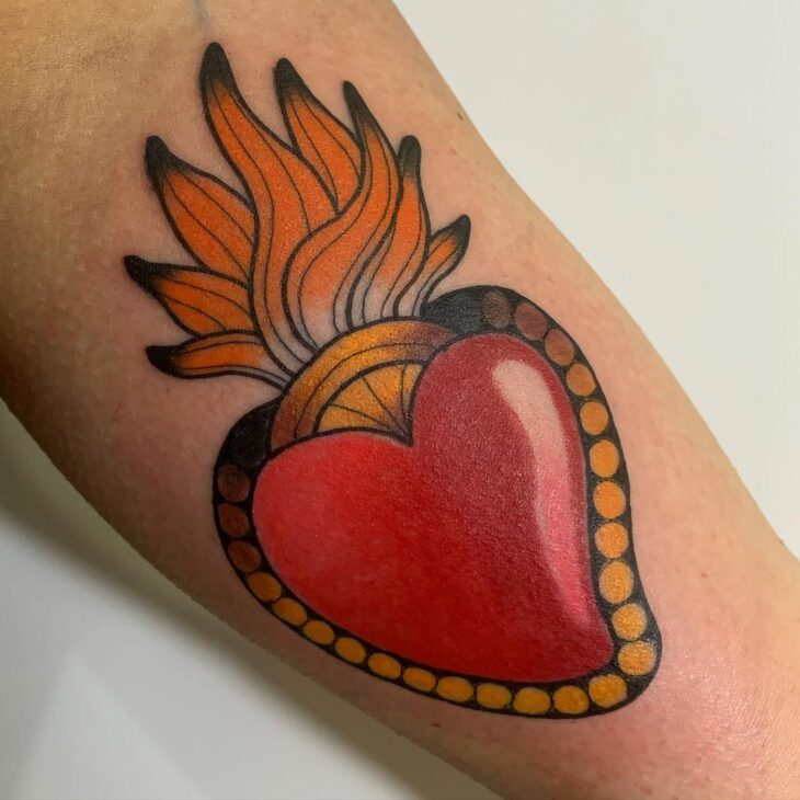 100 ideias encantadoras de tatuagem de coração para transbordar amor - 96