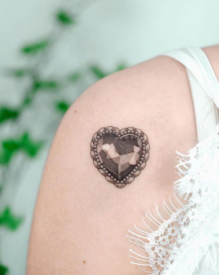 100 ideias encantadoras de tatuagem de coração para transbordar amor - 102