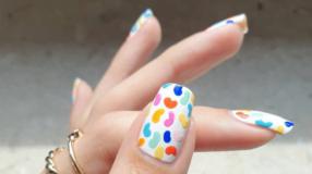 60 ideias de unhas brancas decoradas e tutoriais para inovar com estilo