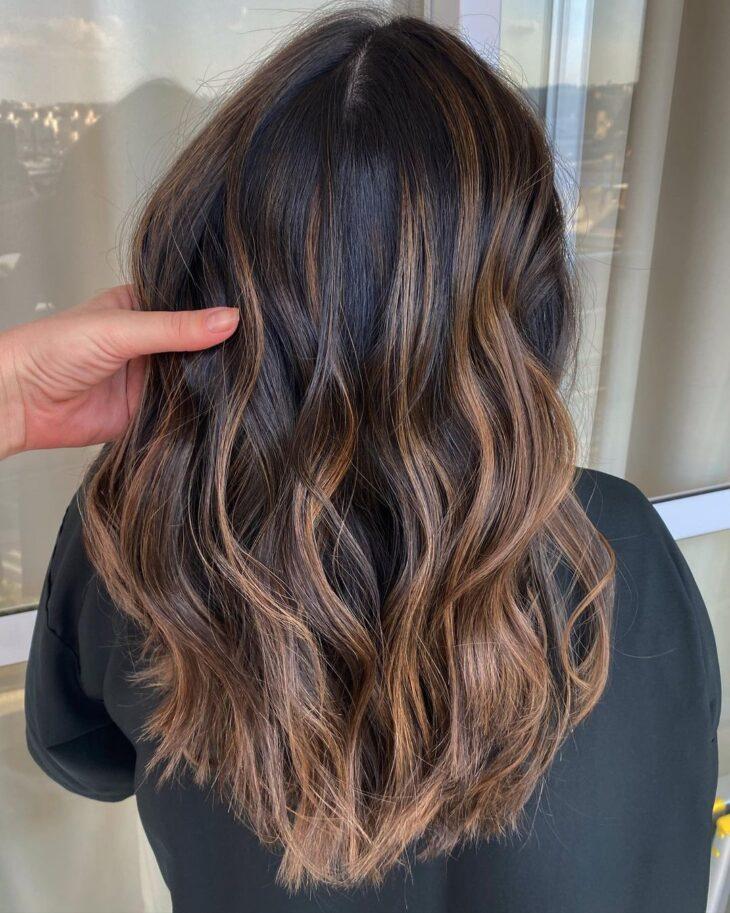 cabelo preto com luzes 14
