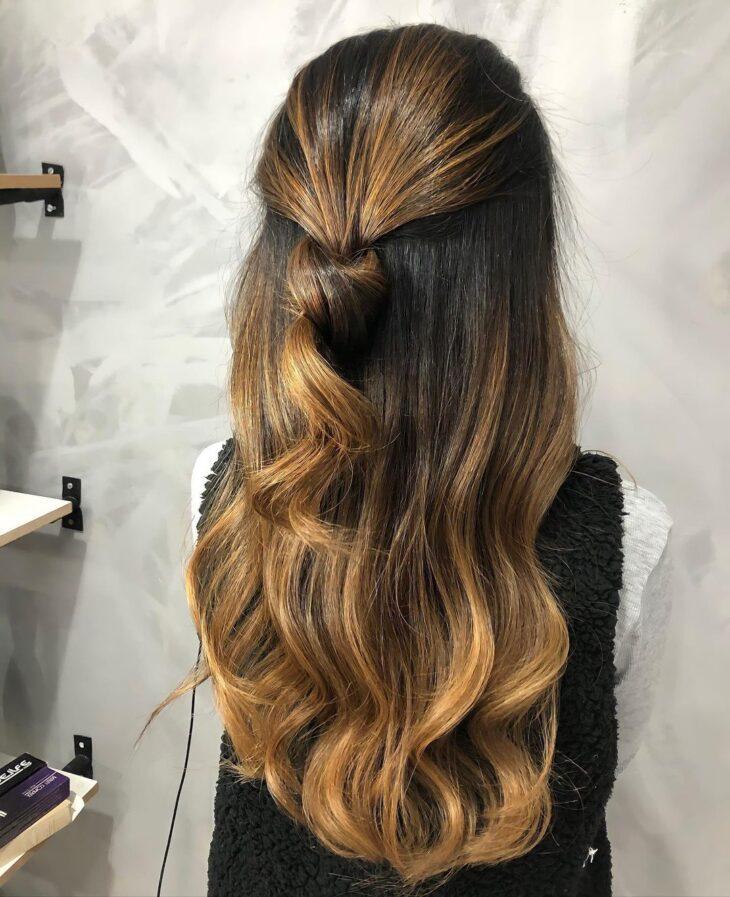 cabelo preto com luzes 32