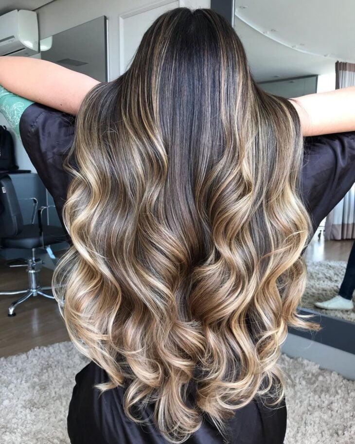 cabelo preto com luzes 38