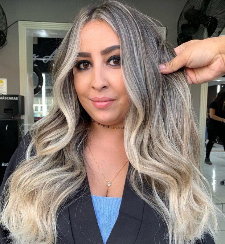 cabelo preto com luzes 46