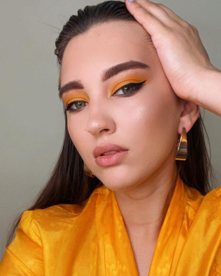 maquiagem amarela 30