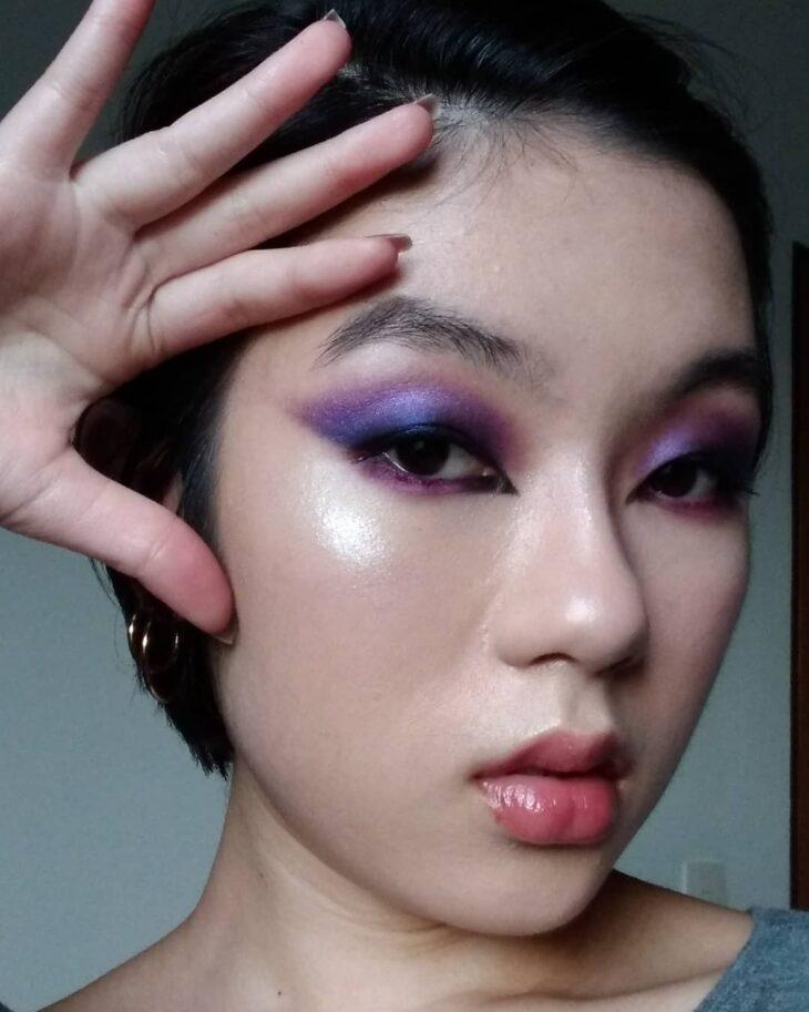 40 ideias de maquiagem roxa para fugir do tradicional e esbanjar estilo - 30