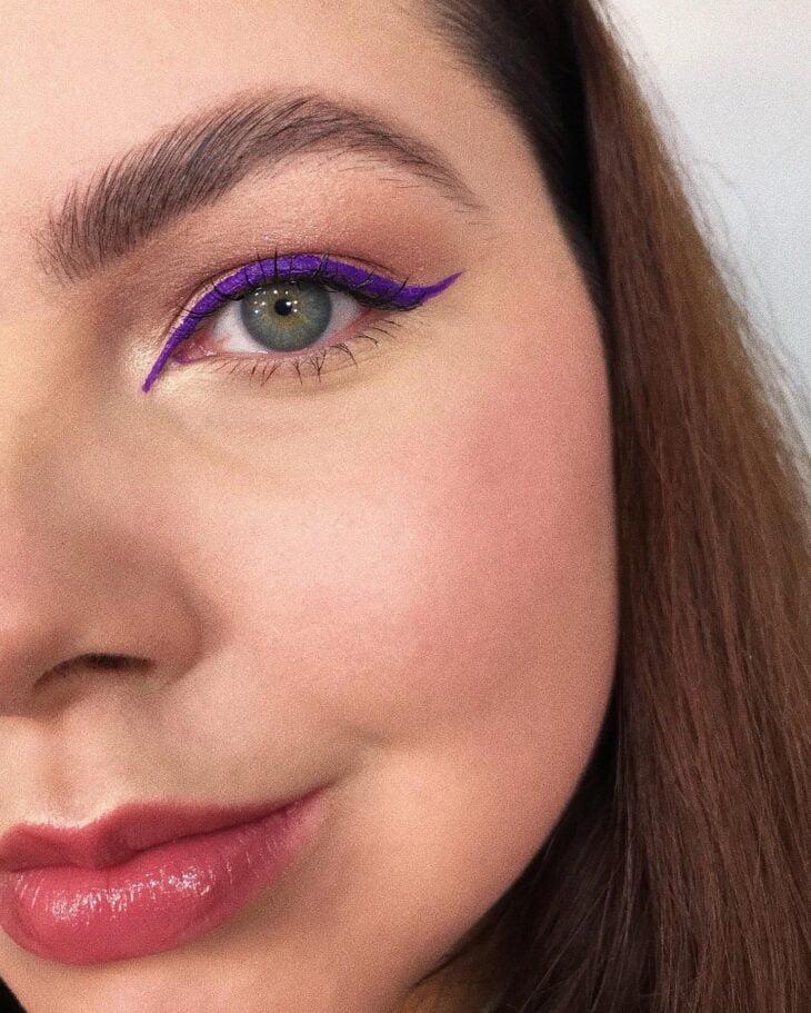40 ideias de maquiagem roxa para fugir do tradicional e esbanjar estilo - 12