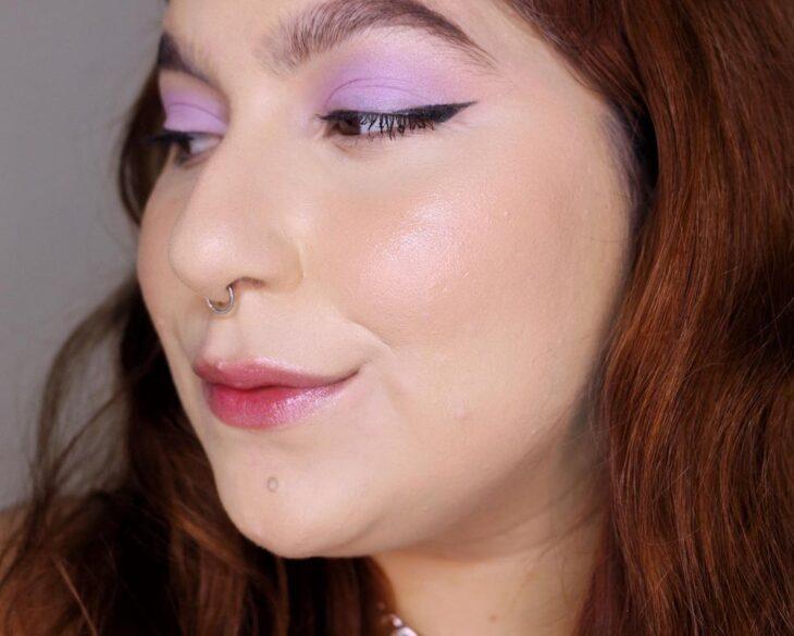 40 ideias de maquiagem roxa para fugir do tradicional e esbanjar estilo - 13