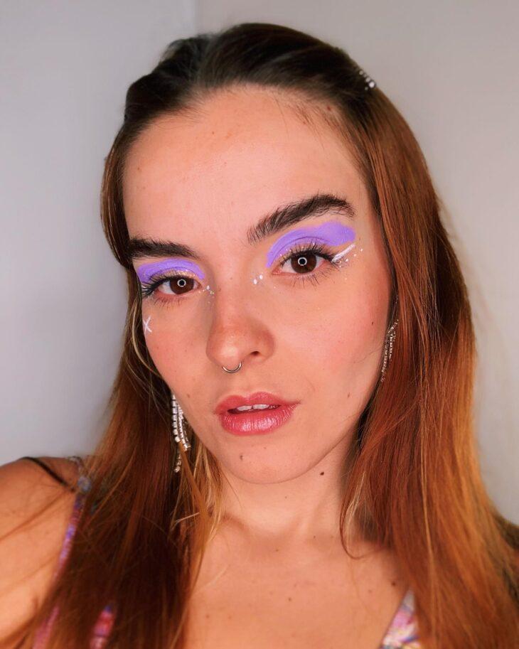 40 ideias de maquiagem roxa para fugir do tradicional e esbanjar estilo - 36