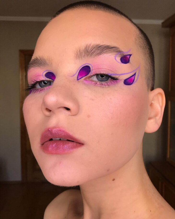 40 ideias de maquiagem roxa para fugir do tradicional e esbanjar estilo - 40