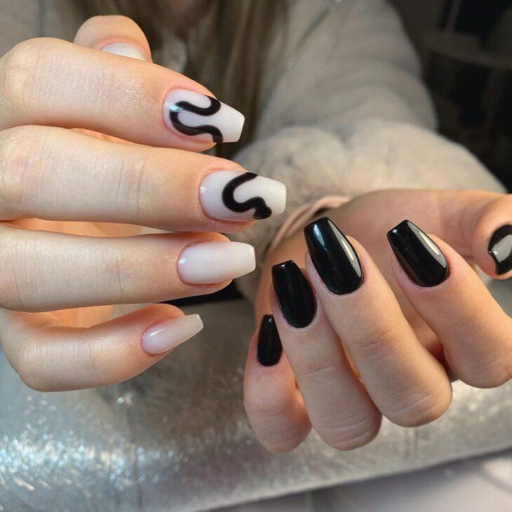 unhas decoradas em preto e branco 5