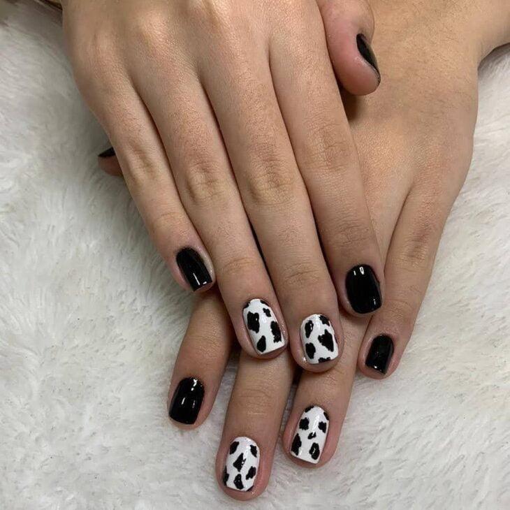 unhas decoradas em preto e branco 6