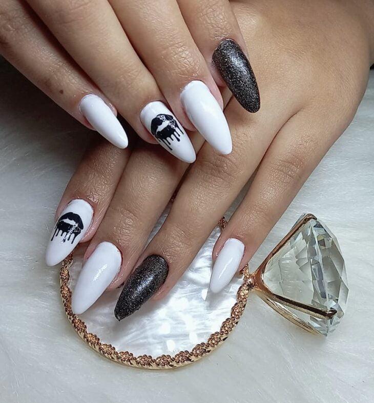 unhas decoradas em preto e branco 33