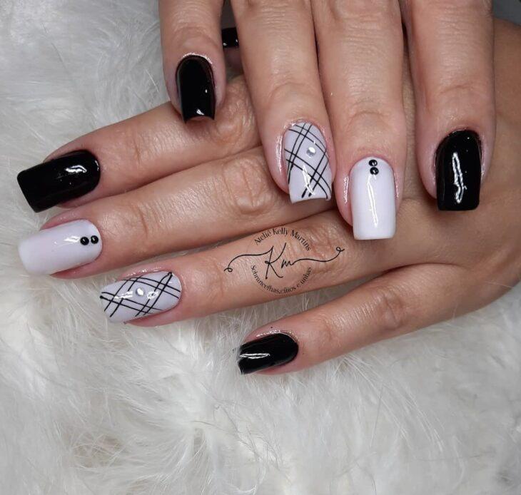 unhas decoradas em preto e branco 40