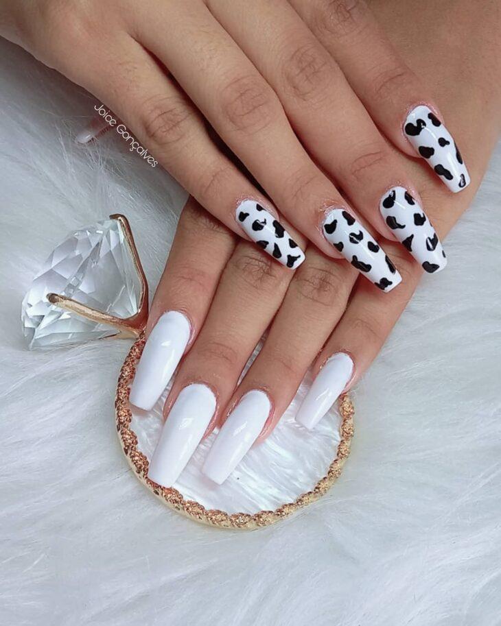 unhas decoradas em preto e branco 7