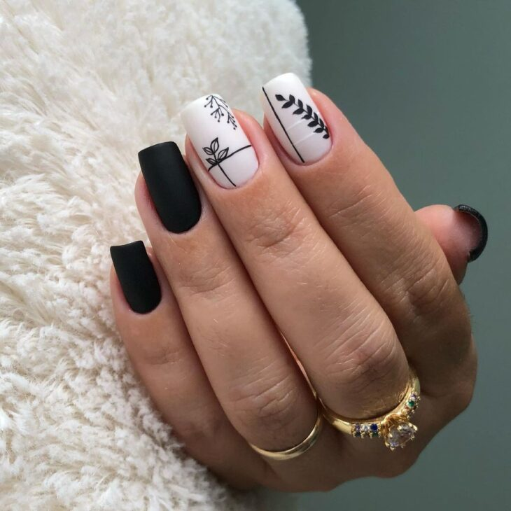 unhas decoradas em preto e branco 12