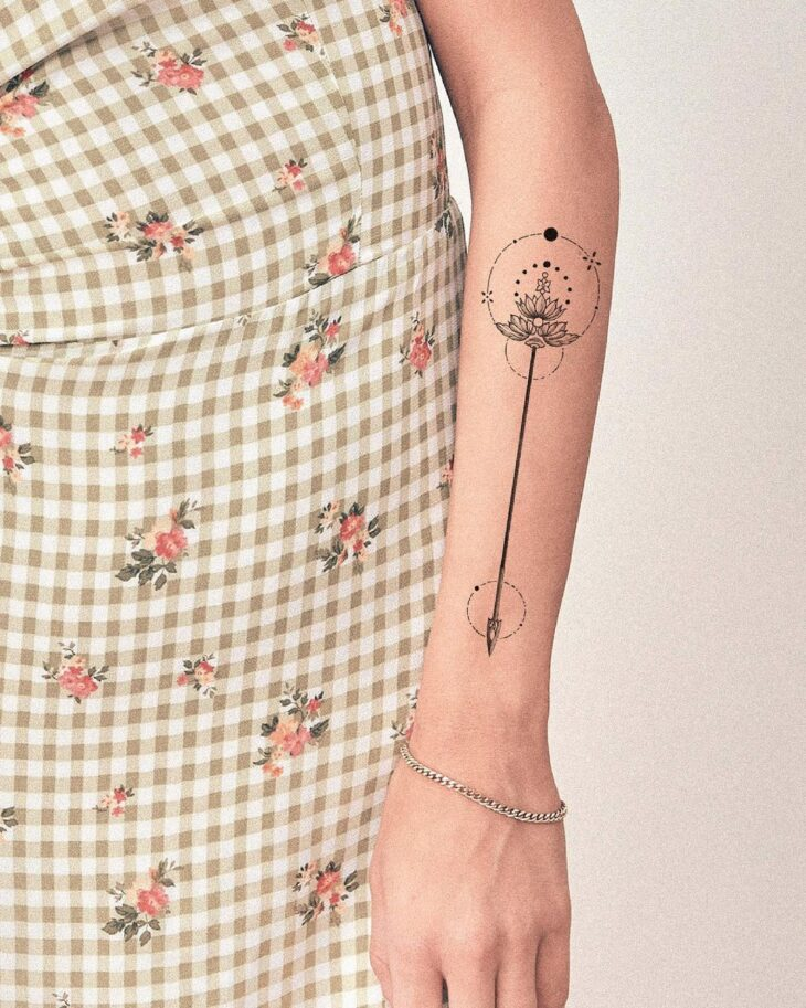 tatuagem de flecha 66
