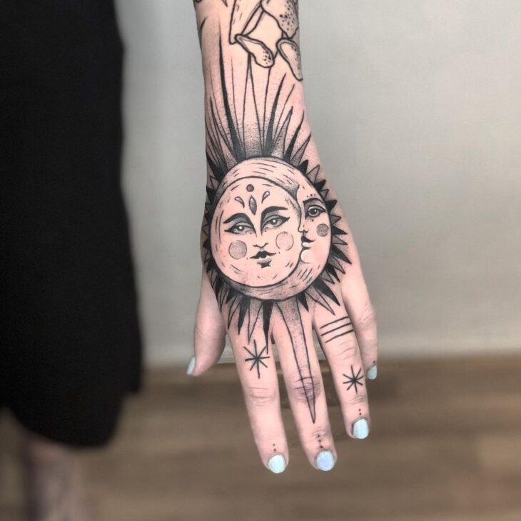 tatuagem de sol e lua 13