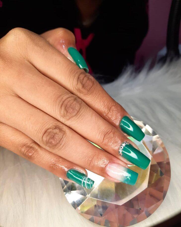 unhas decoradas verde 6