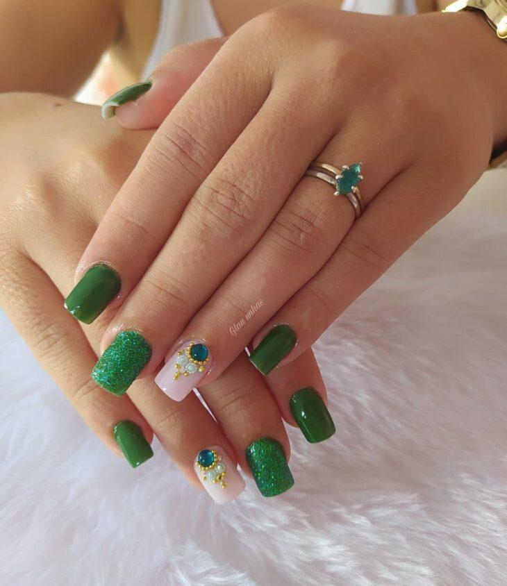 unhas decoradas verde 59
