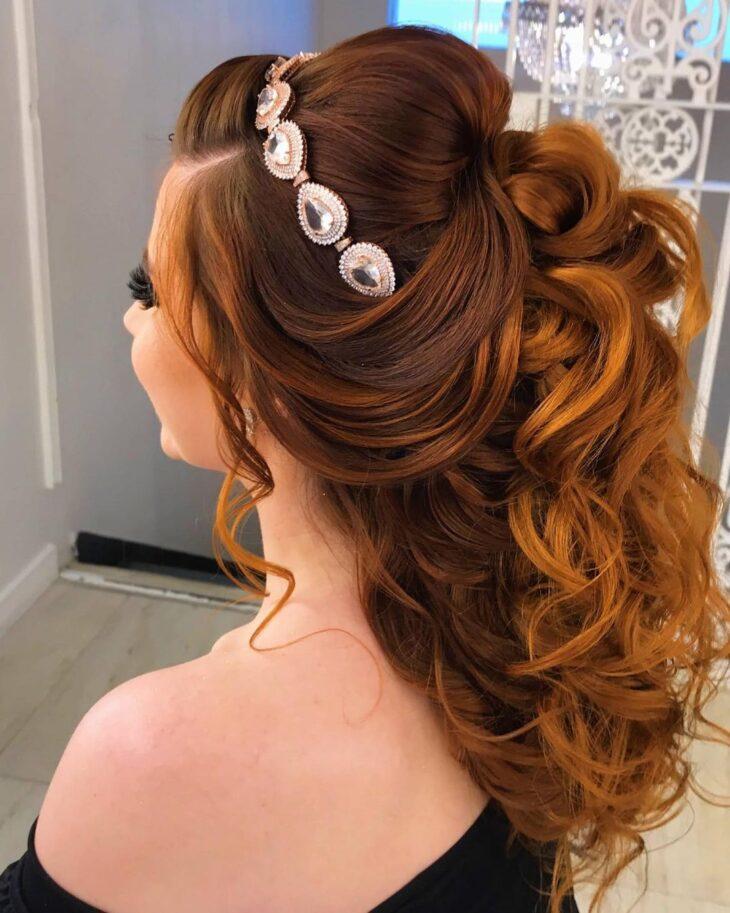 penteados com tiara 15