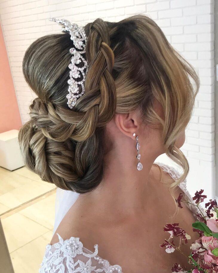 penteados com tiara 40