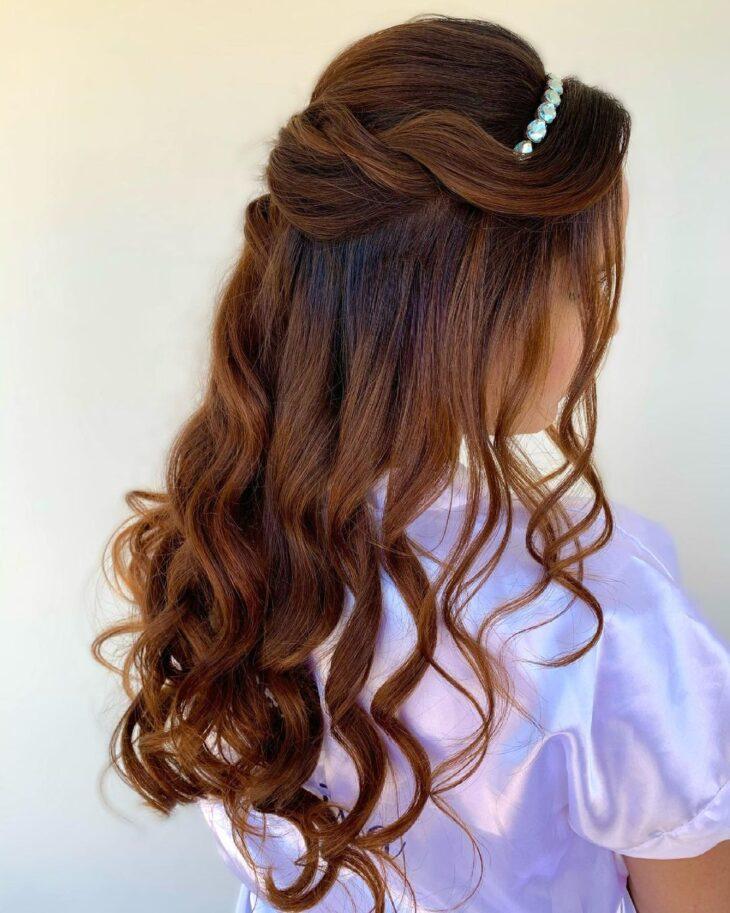 penteados com tiara 48