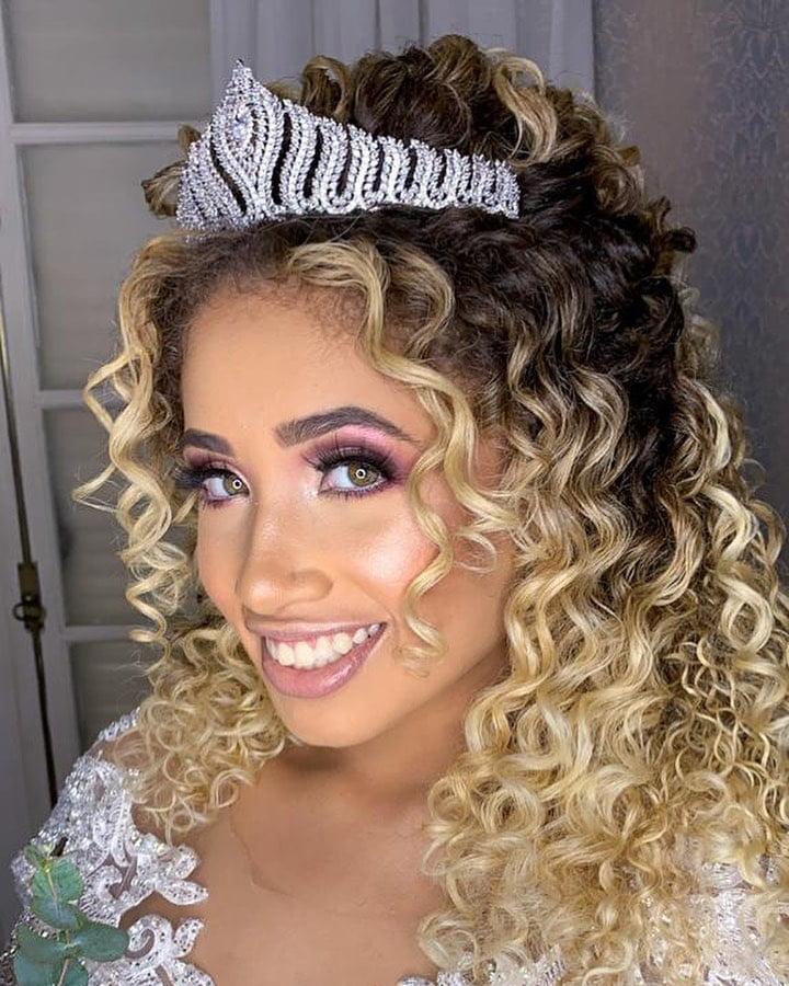 penteados com tiara 49