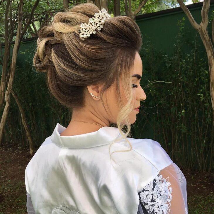 penteados com tiara 11