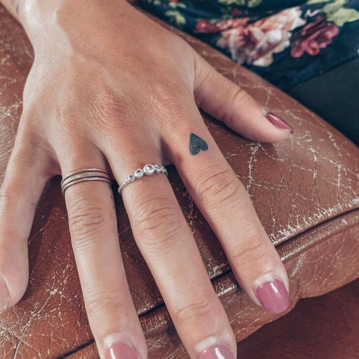 tatuagem no dedo 32
