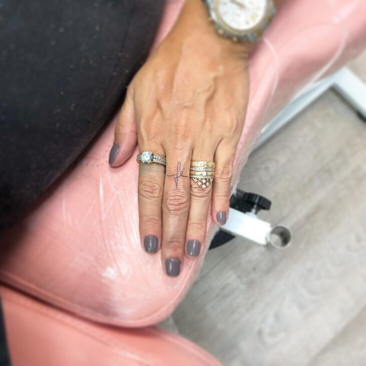 tatuagem no dedo 67