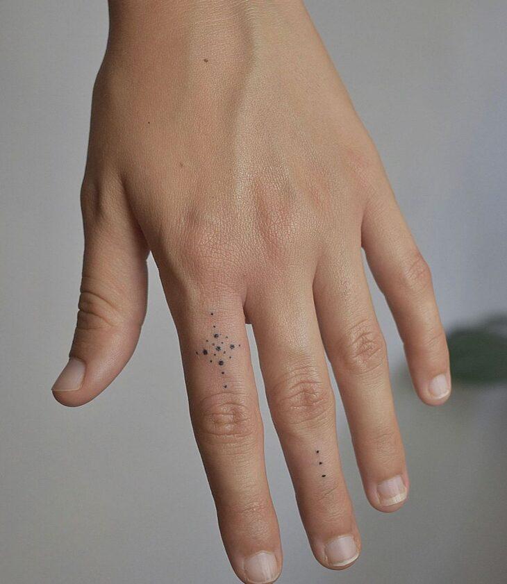 tatuagem no dedo 73
