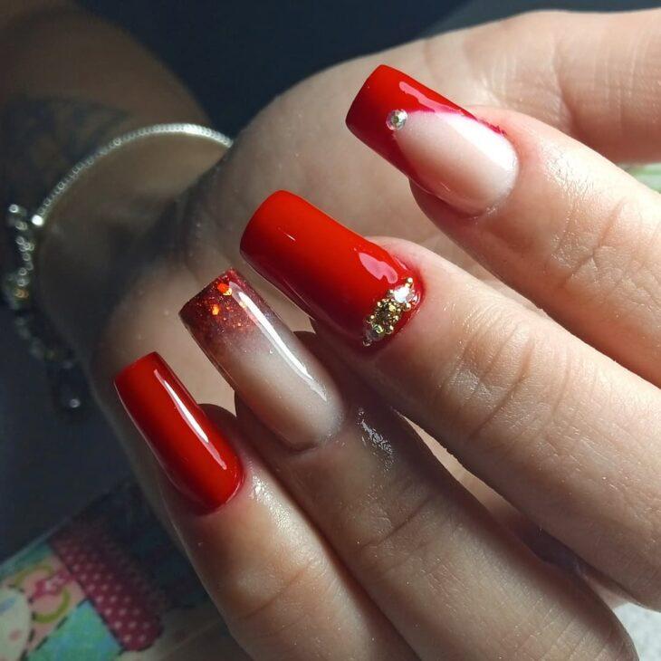 unhas vermelhas com glitter 5