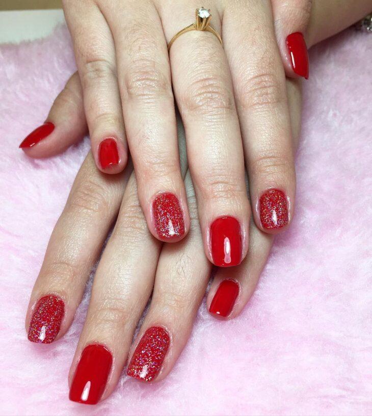 unhas vermelhas com glitter 7